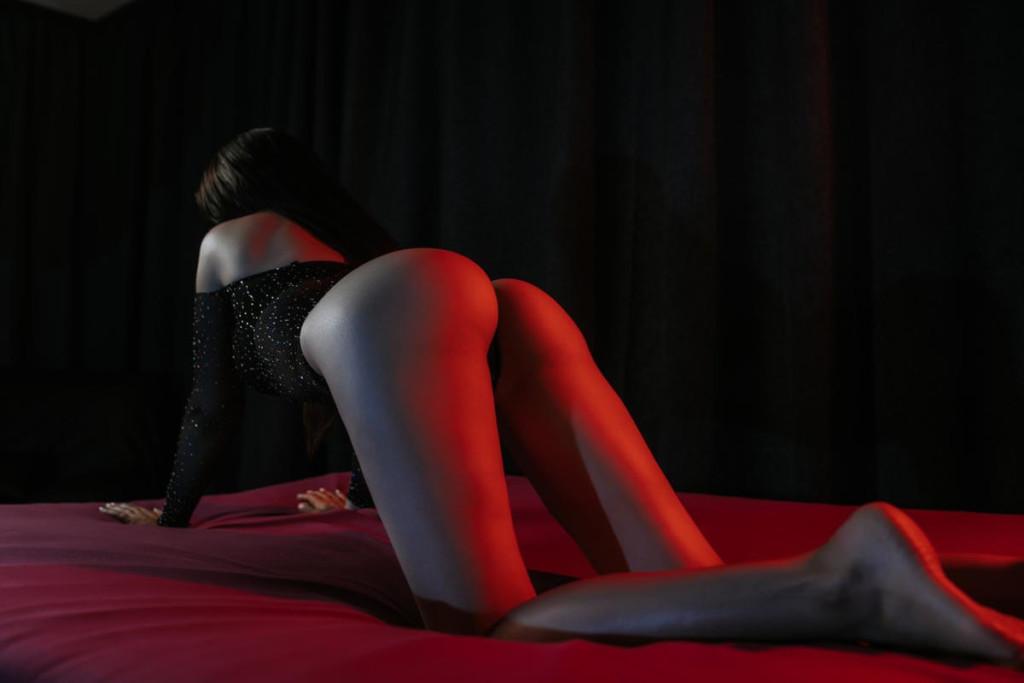 Фото мастера чувственного массажа
