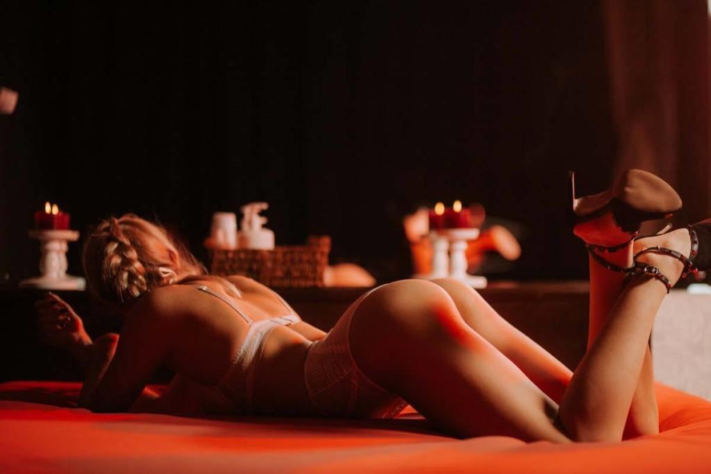 мастер расслабляющего массажа фото