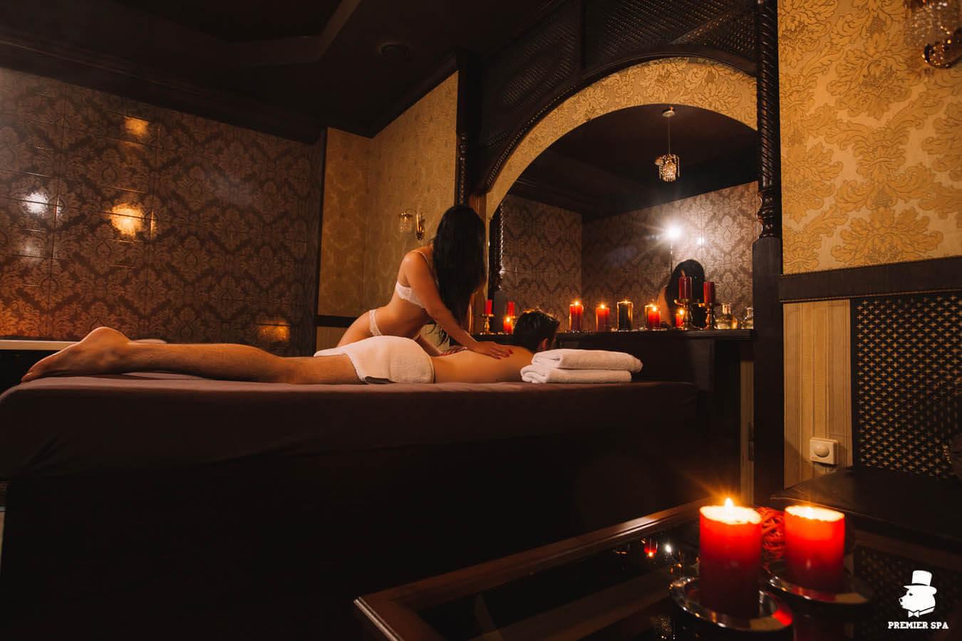 Расслабляющий массаж спины в мужском спа-салоне